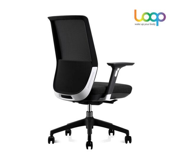เก้าอี้สำนักงานเพื่อสุขภาพ ดำ ขวา